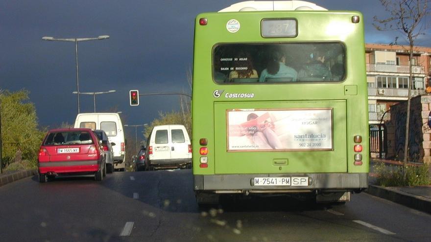 El PSOE plantea hoy en el Congreso la posibilidad de abrir líneas de crédito para renovar autobuses
