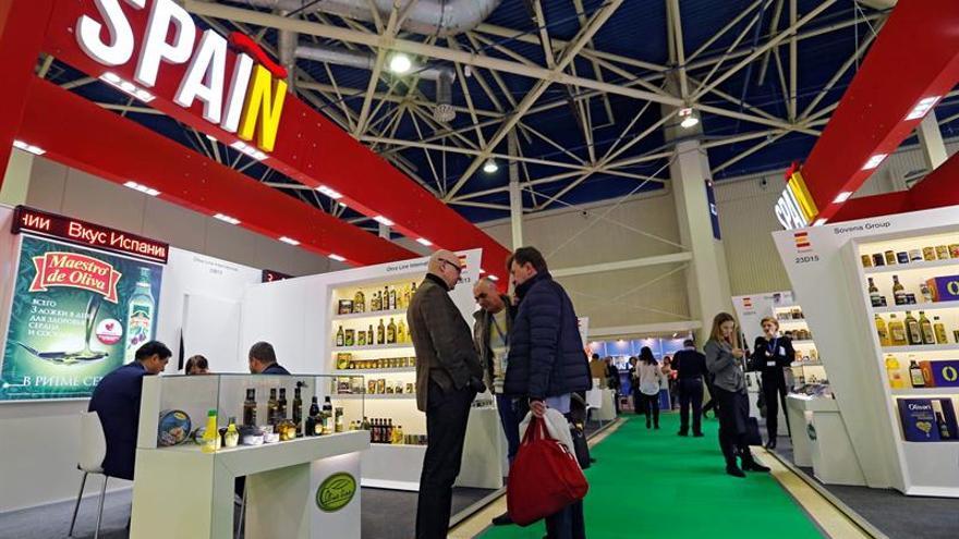 Vinos y aceites españoles reinan en la mesa rusa