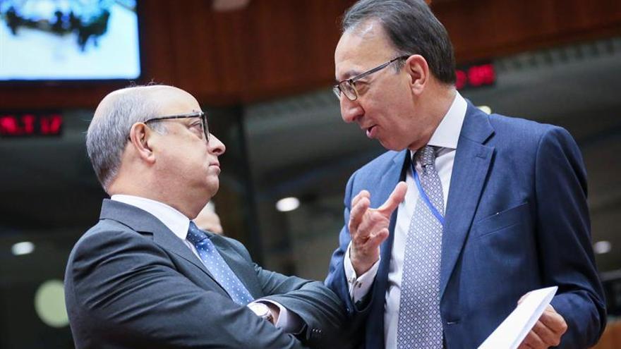 La CE propone crear un fondo europeo y facilitar la inversión en defensa
