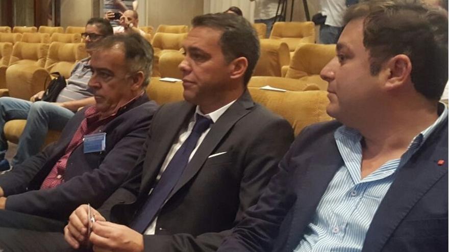 Pier Cherubino en la Junta del Tenerife celebrada el jueves
