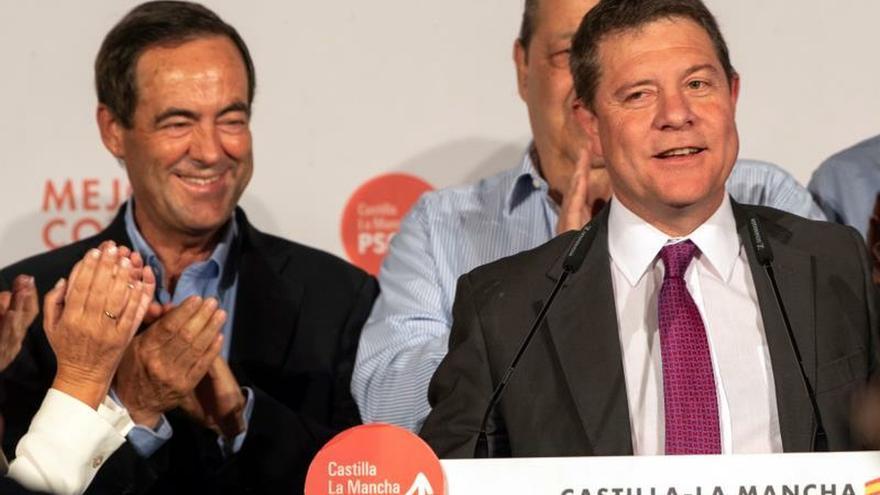 García-Page conquista la mayoría absoluta y gobernará sin peajes