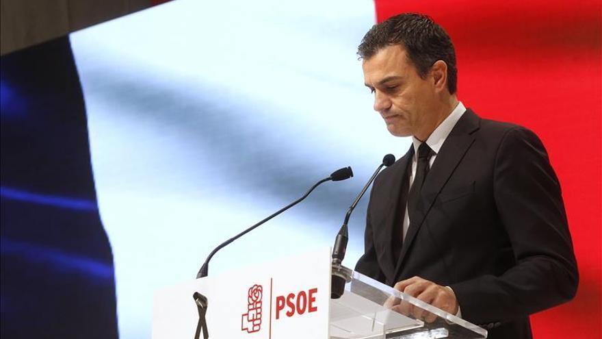 """Sánchez dice que """"no cabe el partidismo"""" ni las """"divisiones"""" ante el terror"""