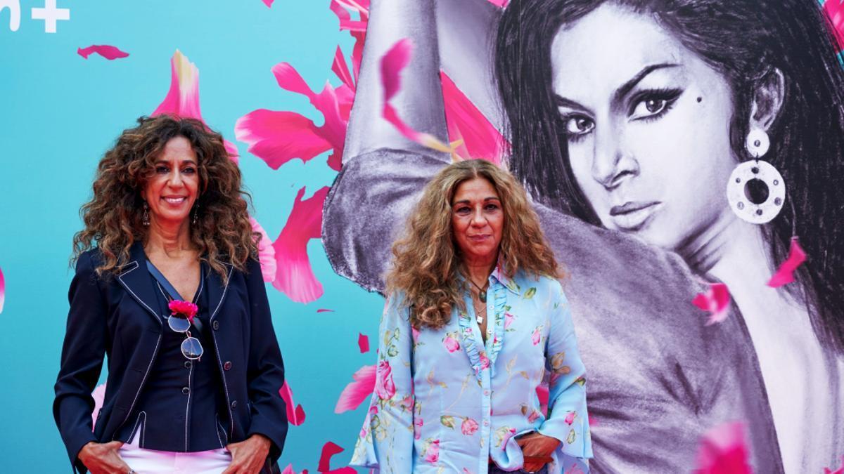 Rosario y Lolita, en la presentación de 'Lola' en el FesTVal
