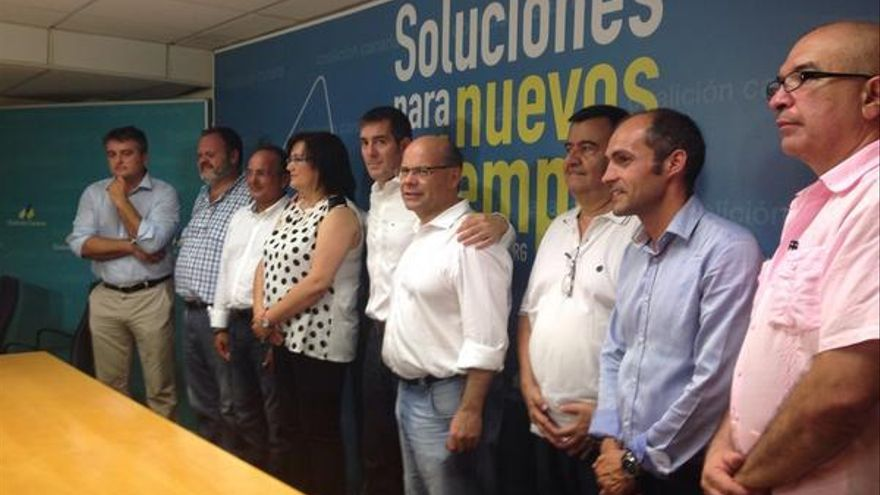 Foto de familia tras el Consejo Político Nacional de Coalición Canaria (Twitter @coalicion).