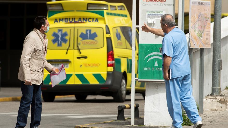 Se disparan un 20 % los hospitalizados en Andalucía, que suma 3.700 contagios