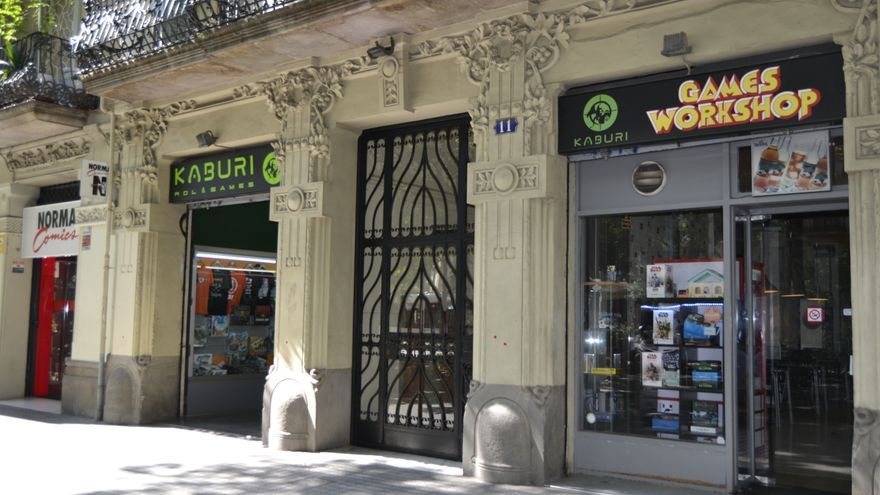 En el Passeig de Sant Joan se encuentran Norma Cómics i Kiburi, dos tiendas del Triángulo Friqui de Barcelona