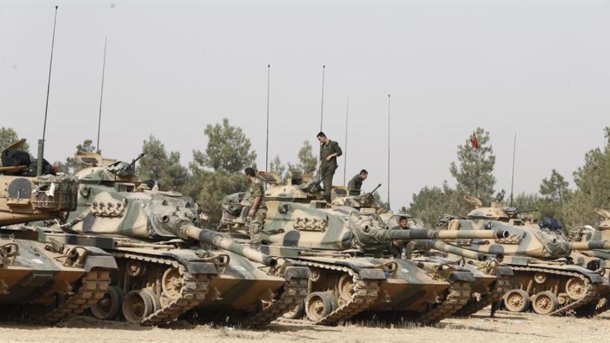 Las fuerzas turcas se acercan a Al Baba, estratégico bastión del EI en Siria