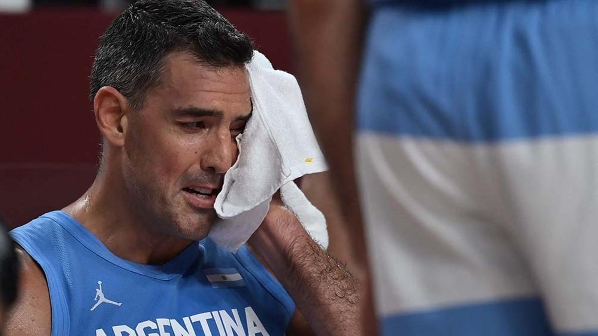 El llanto de Luis Scola en el banco de suplentes.