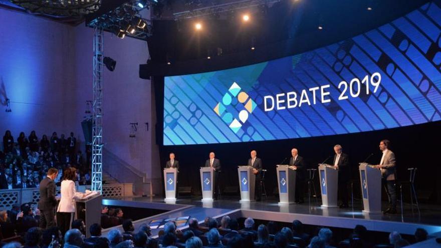 Registro general este domingo del primer debate presidencial televisado de cara a las elecciones argentinas del próximo 27 de octubre, en la Universidad Nacional del Litoral, en Santa Fe (Argentina).
