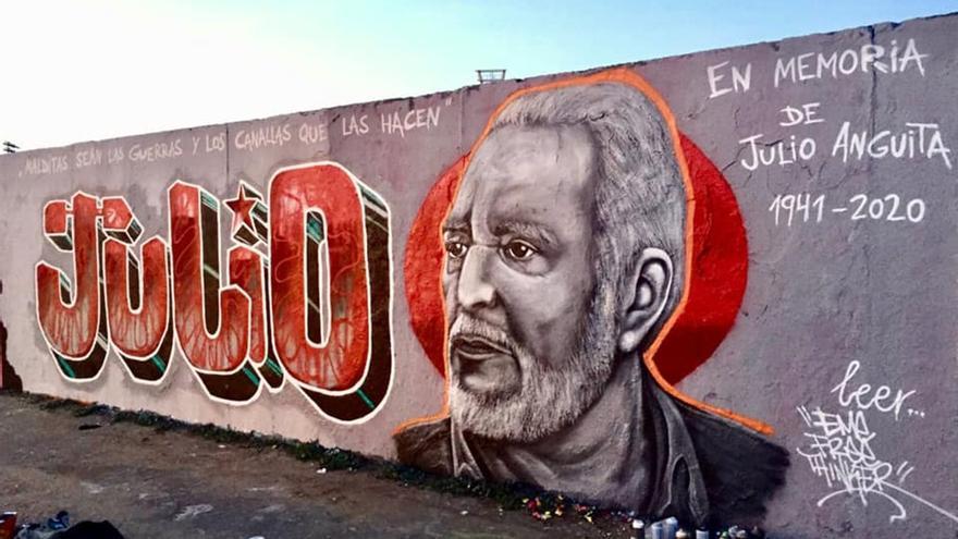 Mural en homenaje a Julio Anguita /Foto: EME STREET ART