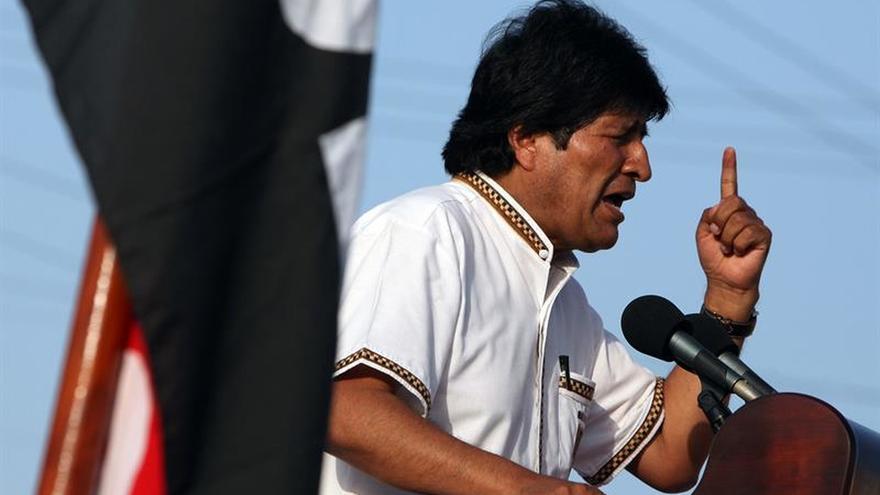 """Morales defiende la """"revolución"""" y su candidatura para 2019 en un acto multitudinario"""