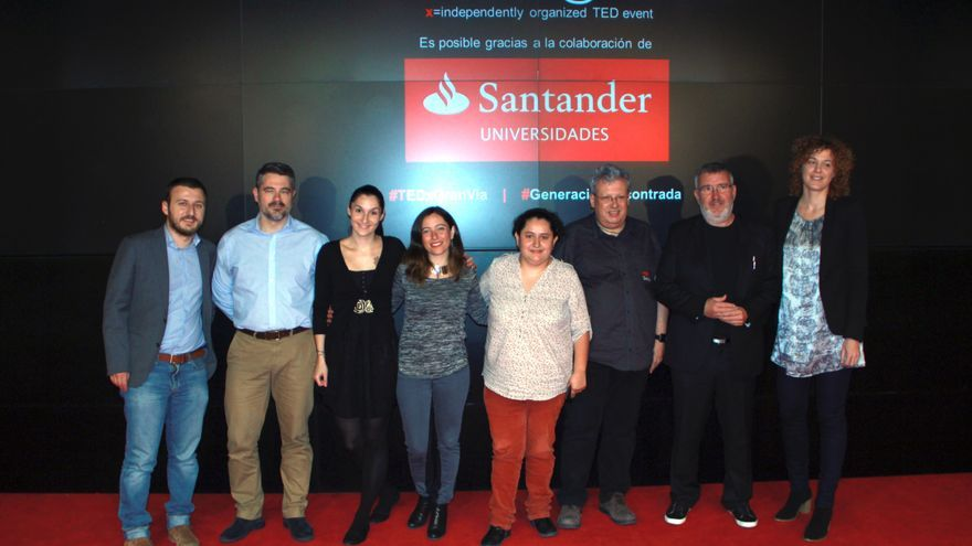 Los nueve ponentes de las charla TEDXYouth@Gran Vía dedicada a la generación encontrada./ Foto: TEDXYouth@Gran Vía