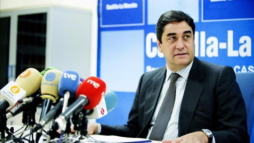 Echániz pide a los jóvenes contundencia ante las conductas políticas no ejemplares