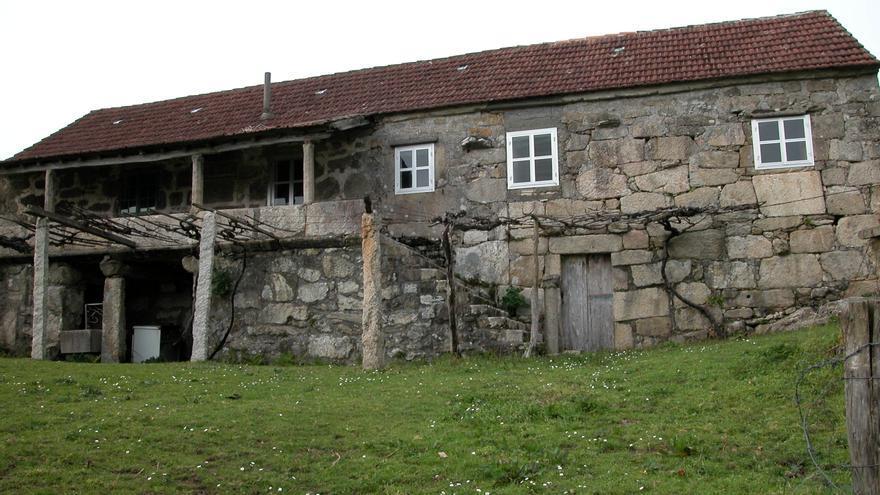 La casa rectoral en 2003, antes de que el presunto líder de la trama empezase a utilizarla