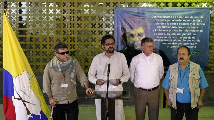 El ministro de Agricultura de Colombia dice a las FARC que no sabotea el proceso de paz