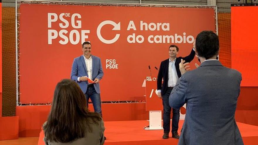 Mitin de Pedro Sánchez en A Coruña, junto al candidato socialista a la Xunta, Gonzalo Caballero.
