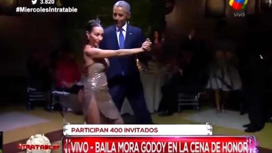 Obama baila tango en su visita a Argentina.