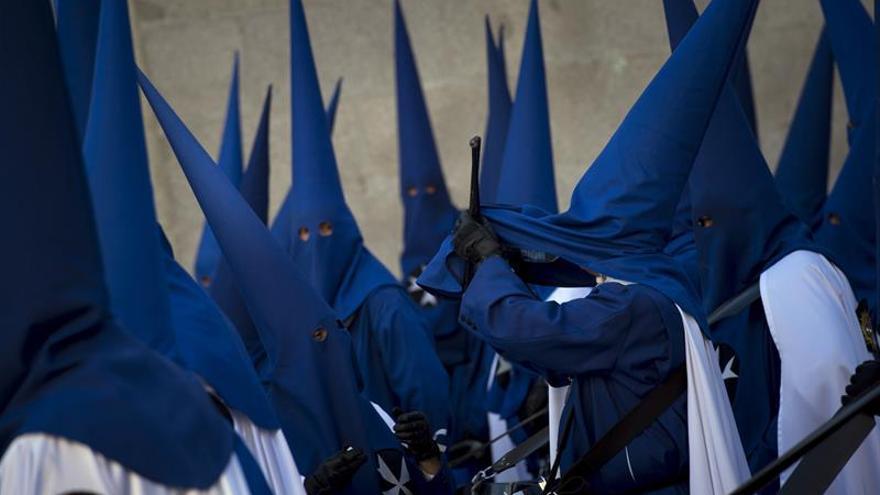 La procesión de La Soledad pone el broche de oro a los pasos de fe en Madrid