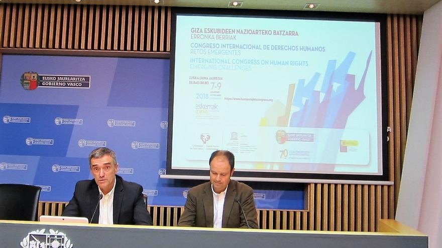 Gobierno vasco pospone hasta principios del próximo curso escolar la implantación en las aulas del programa 'Herenegun'
