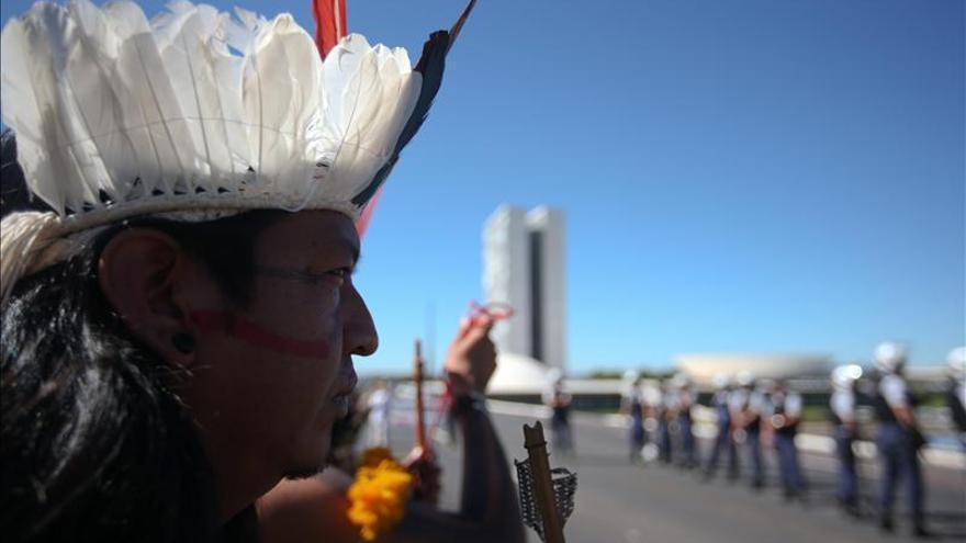 Indios brasileños acotan tierras por cuenta propia por demora del Gobierno