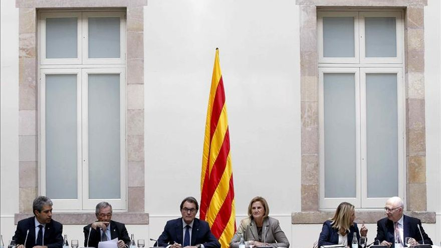 Comienza la reunión del Pacto por el Derecho a Decidir en el Parlament en vísperas del 9N