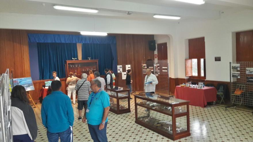 La exposición se instaló en una sala de la Sociedad La Unión.