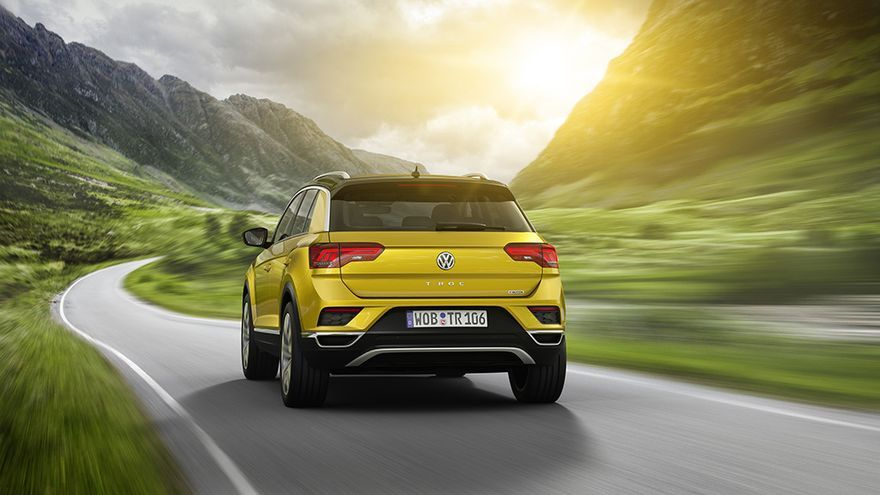 El T-Roc se posiciona como el SUV más pequeño (por el momento) de Volkswagen, por debajo de los Tiguan y Touareg.