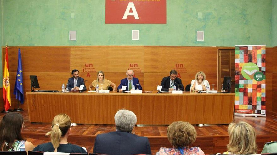 El rector destaca en Baeza la apuesta por la calidad frente a la cantidad