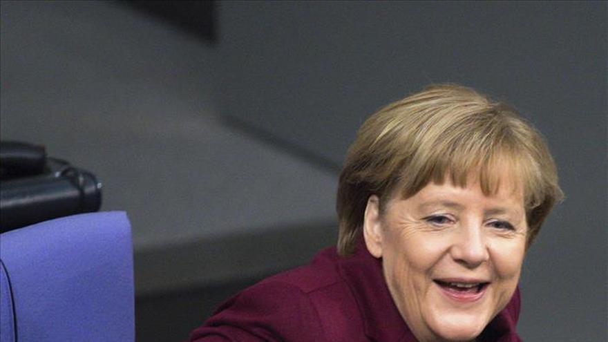 Merkel pide solidaridad a la UE acosada por las críticas ante la crisis de refugiados