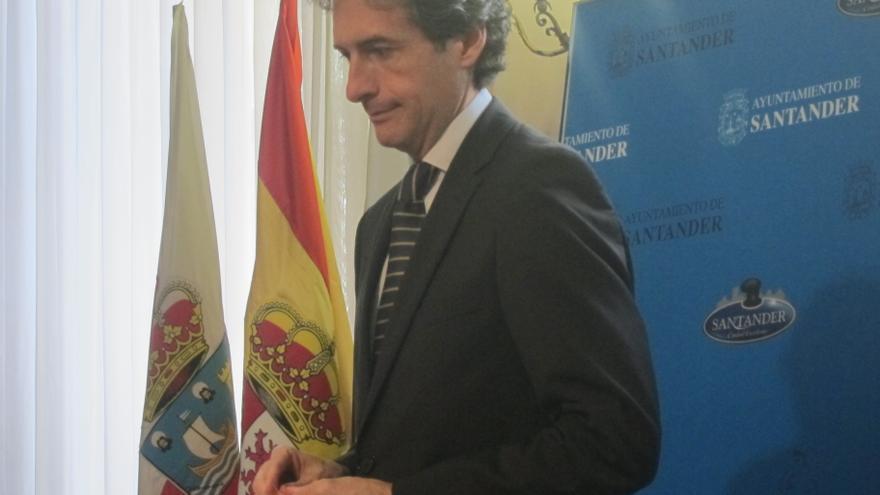 """El presidente de la FEMP dice, tras las palabras de Aznar, que Rajoy es """"el líder indiscutible"""" del PP y le apoyan todos"""