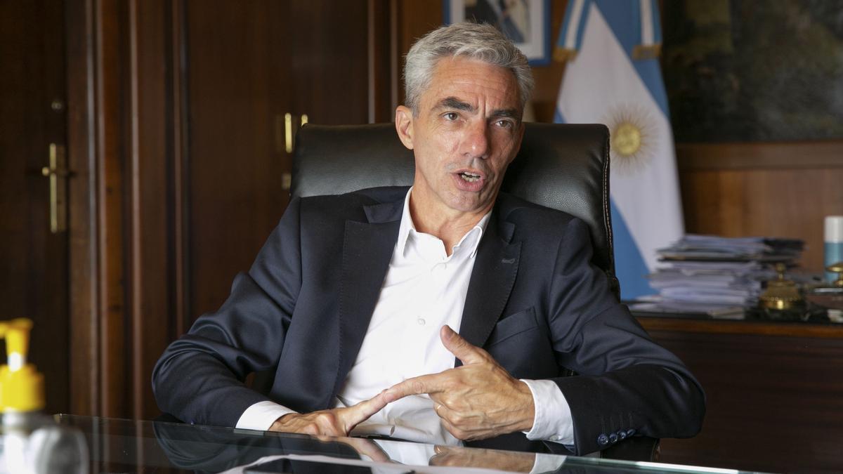 El fallecido ministro de Transporte, Mario Meoni