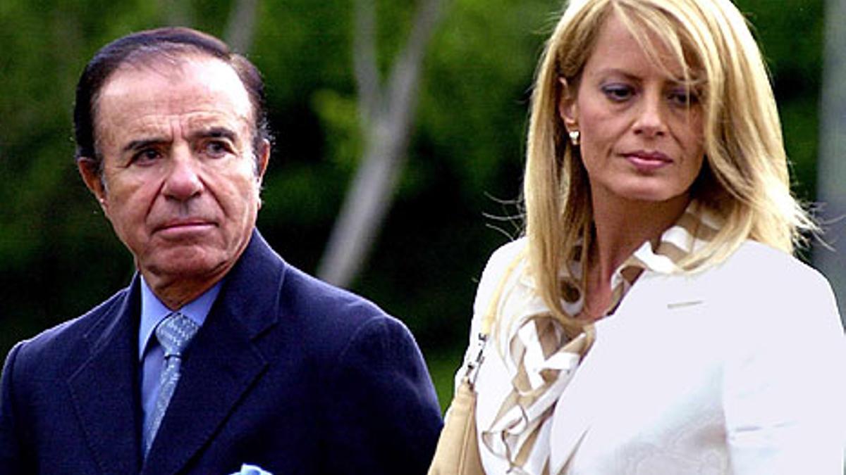 Carlos Menem y Cecilia Bolocco.