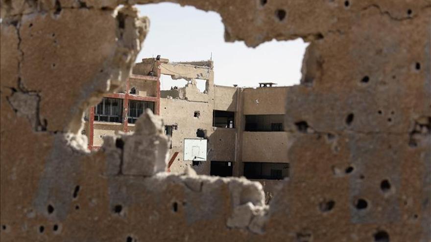 3 muertos y 30 heridos por la caída de medio centenar de cohetes en Damasco