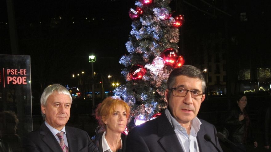 """Patxi López advierte de que """"quienes quieren arañar"""" votos al PSOE solo consiguen """"dar alas a la derecha"""""""