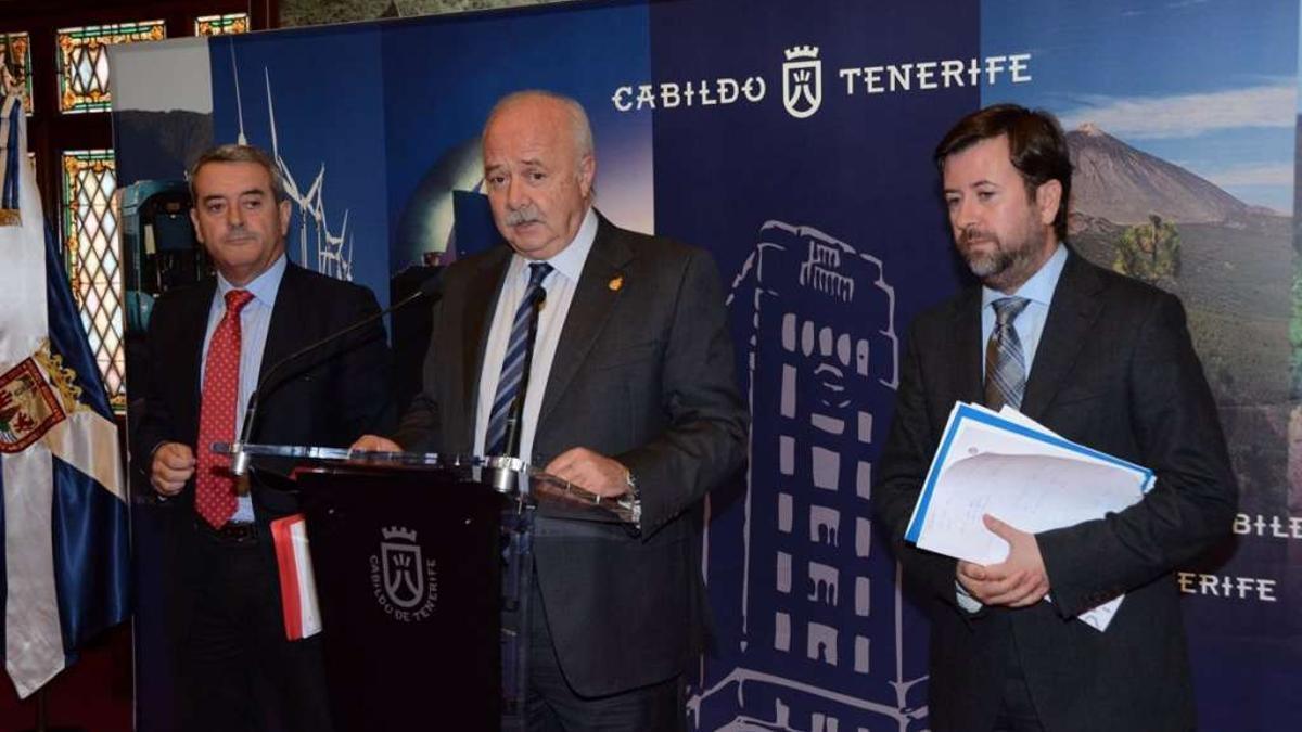 Tres de los 14 investigados en una presunta trama de corrupción en el NAP del Cabildo de Tenerife que solicita la Fiscalía: Aurelio Abreu, Ricardo Melchior y Carlos Alonso.