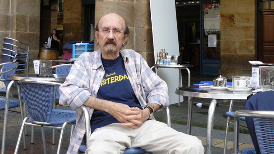 Mauricio Rodríguez-Gastaminza conversa en una cafetería del Casco viejo bilbaíno. /G.A.