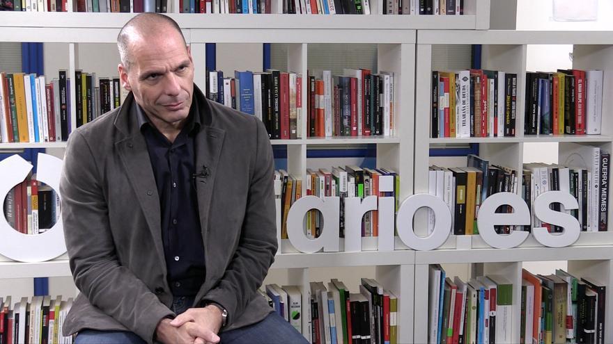 Yanis Varufakis en la redacción de eldiario.es