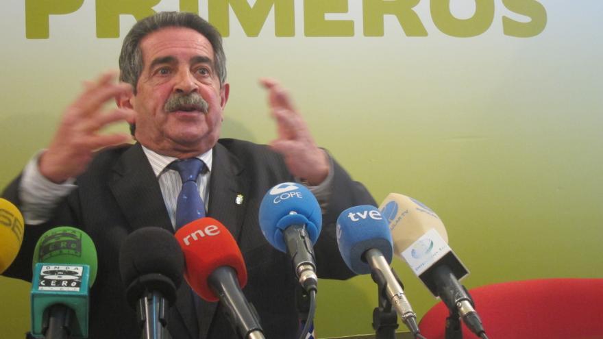 """Revilla cree que el caso Bárcenas es la """"metástasis de un cáncer de corrupción"""" y exige al PP que """"pida perdón"""""""