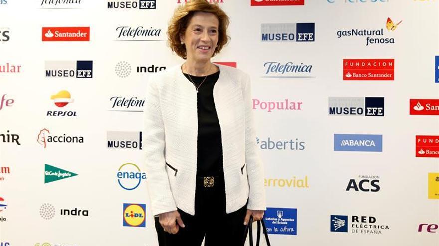 El populismo encierra el germen del totalitarismo, afirma Julia Navarro