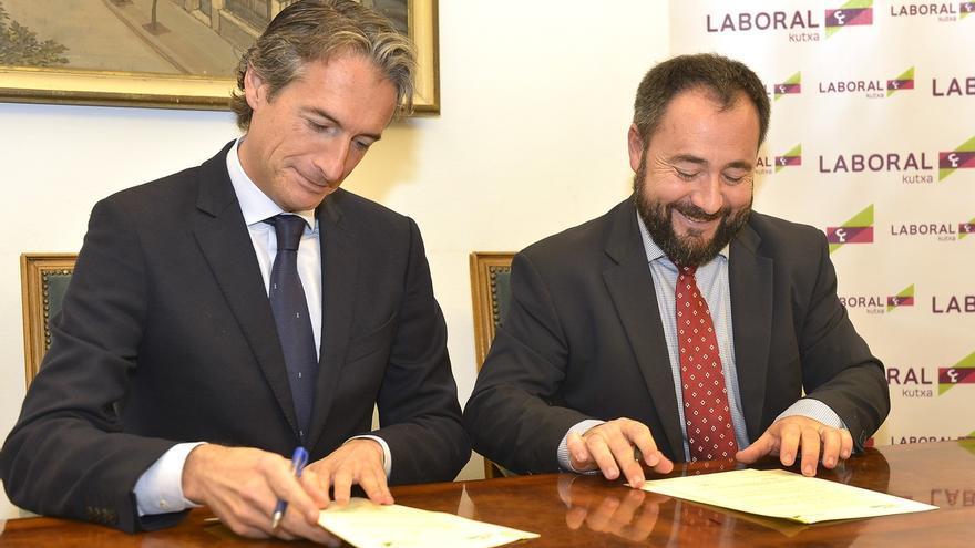 El Ayuntamiento y Laboral Kutxa colaborarán para la concesión de microcréditos a emprendedores