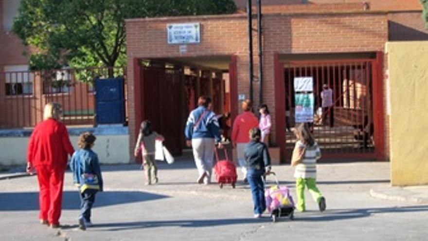 Entrada Colegio , Niños