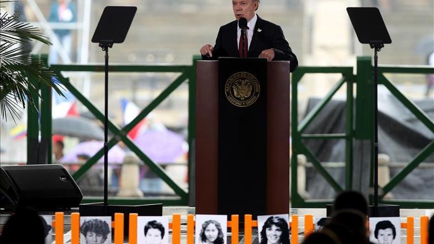 Santos reconoce que el Estado violó derechos en el Palacio de Justicia y pide perdón