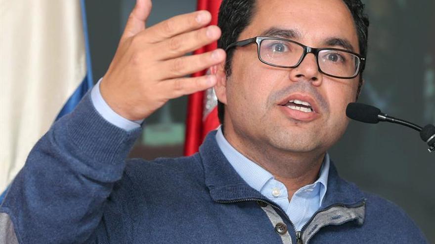 El secretario general de UGT Canarias, Gustavo Santana, tras ser reelegido en el cargo