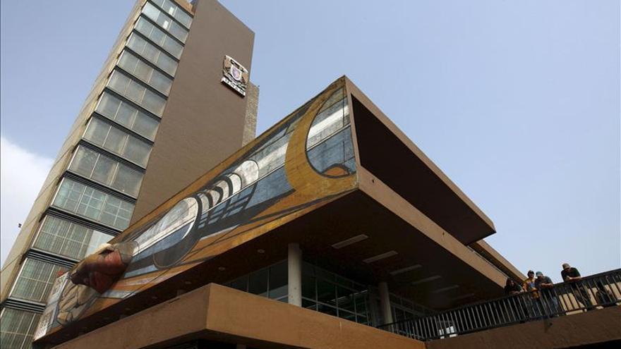 Universidad española reconoce a científicos mexicanos Lazcano y Jalife