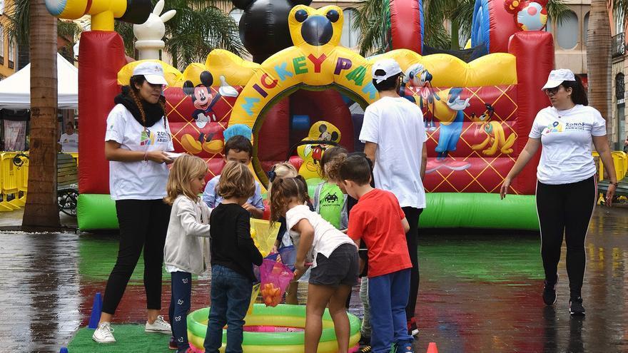Juegos infantiles en la mañana de este domingo, en Santa Cruz