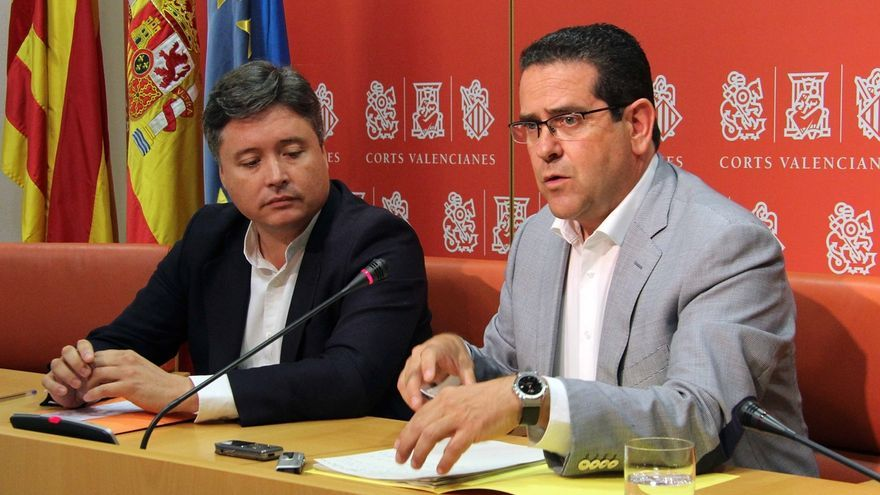 El conseller Santamaría y el portavoz Bellver encabezan la aprobación de la Ley de Señas