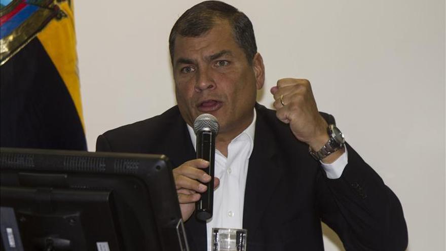 Correa dice que Catar está interesado en invertir 1.000 millones en Quito