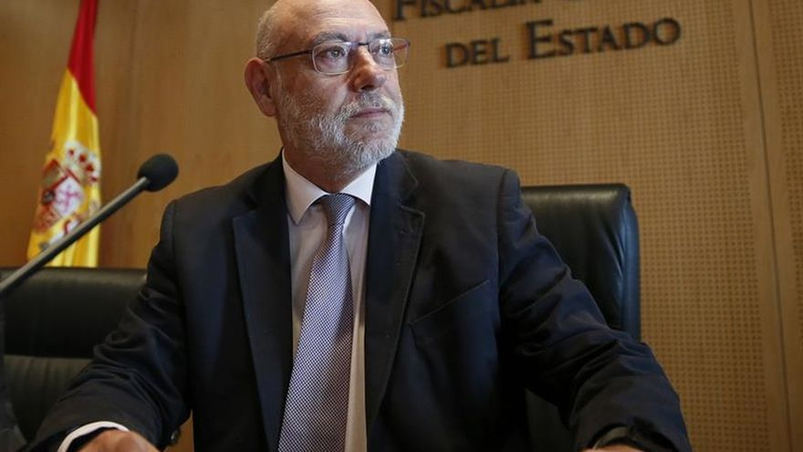 Llegan a Madrid los restos mortales del fiscal General del Estado