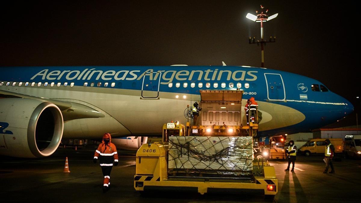 Desde diciembre, Aerolíneas Argentinas se encuentra realizando operaciones de vuelo especiales para traer vacunas al país.