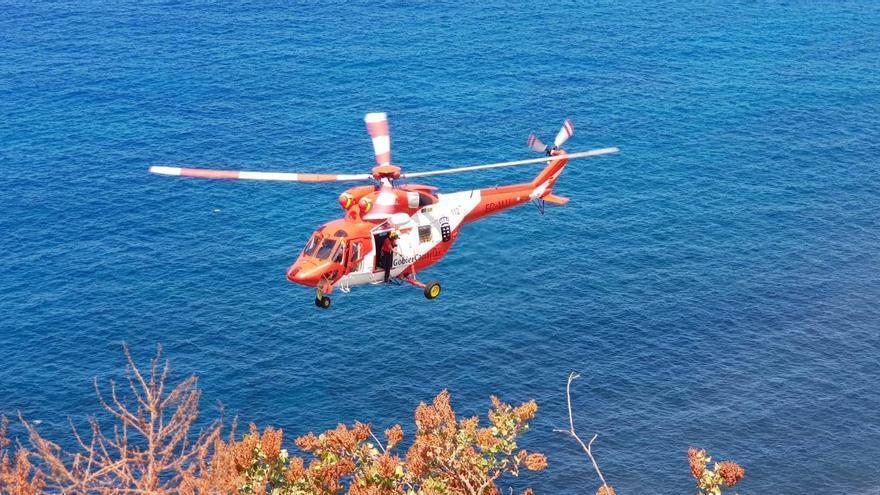 El helicóptero en la operación de rescate.